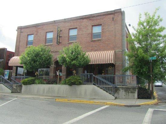 Hotel Prairie : Historic Hotel