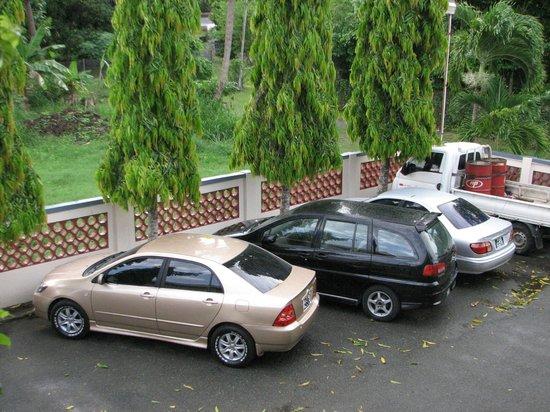 VIP Holiday Resort: Secure  parking