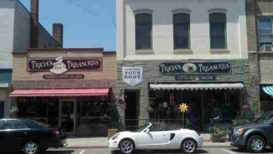 Tricia's Treasures Bistro: Tricia's Treasures and Bistro....downtown Crandon, WI