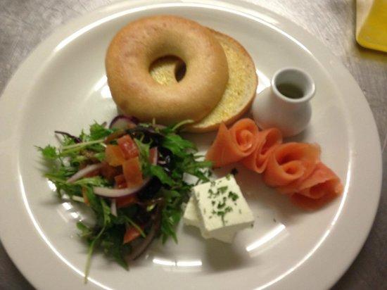 Graze Cafe: Salmon Bagel