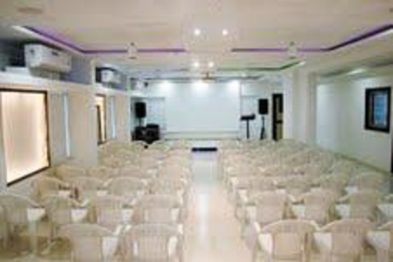 Hotel KB's Grand Shirdi : conference Hall