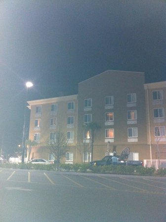 Holiday Inn Express Hotel & Suites Saint Augustine North: Front view