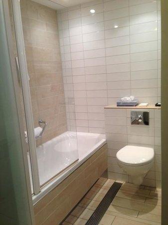 Hampshire Hotel - Eden Amsterdam: bathroom