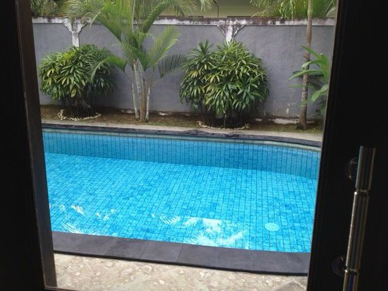 Dura Villas Bali: Swimming pool from room