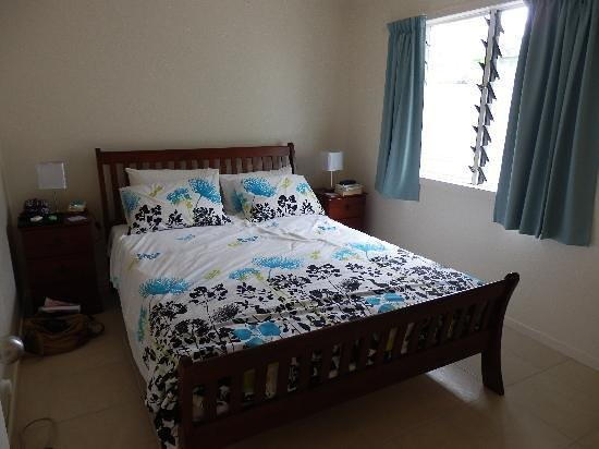 Coral Sands Apartments : Our Bedroom