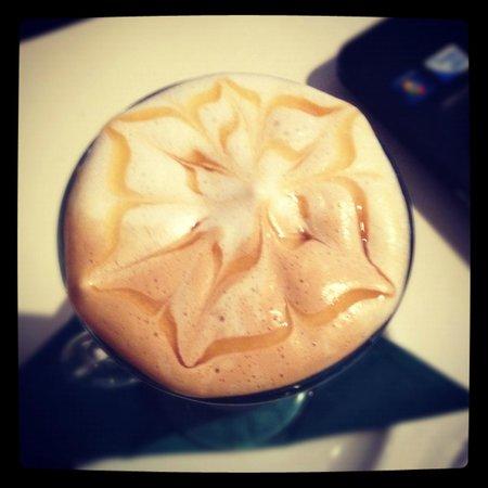 The Liquid Lounge: Caramel Latte