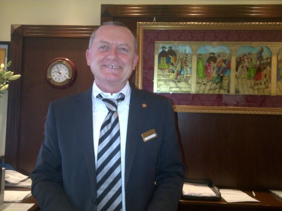 Hotel Panorama: the ever so gracious hotel manager