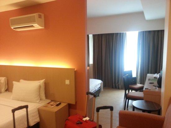 Sky Express Hotel Bukit Bintang: Spacious room