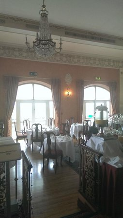 Glenlo Abbey Hotel: Magnificent breakfast room