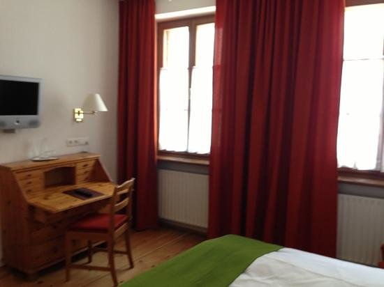 Altstadthotel Wolf: Add a caption