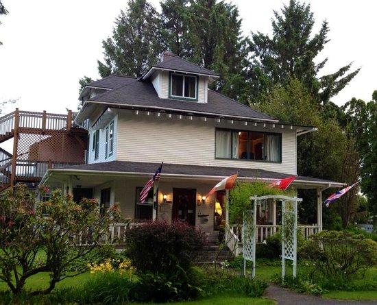 Miller Tree Inn Bed & Breakfast: The Cullen House