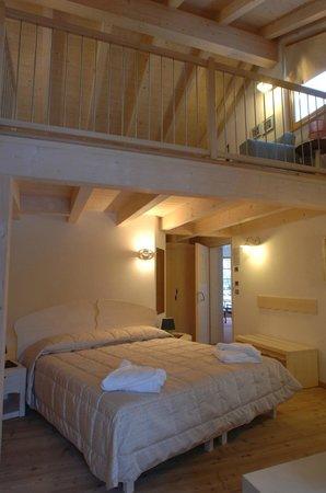 Castelir Suite Hotel: Melo Pruno