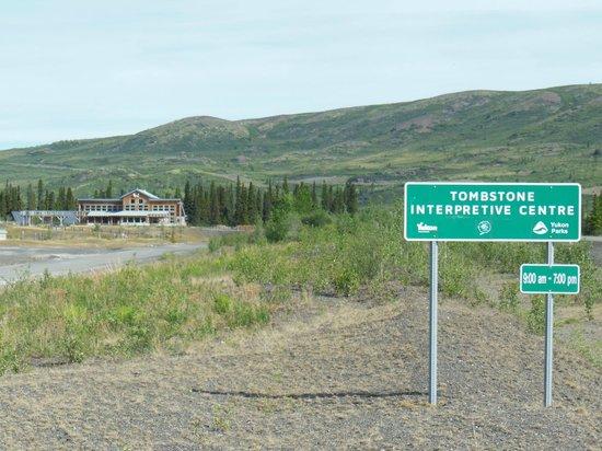 Dawson City, Canada : Tombstone Interpretive Centre