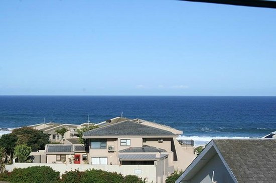 Ocean Dreams B&B : Sea View from Bedroom & Private Deck