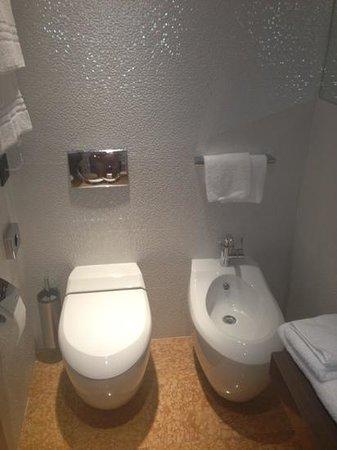 Hotel Corte Ongaro: Beautiful modern bathroom