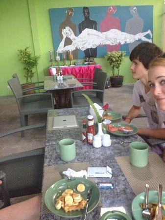 CC's Hideaway: breakfast