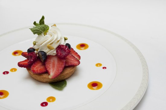 Rhapsody Restaurant: Fruit tart