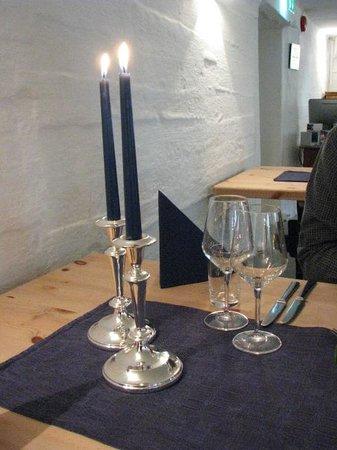 Nordre Ekre Gardshotell: Sinple, welcoming table setting