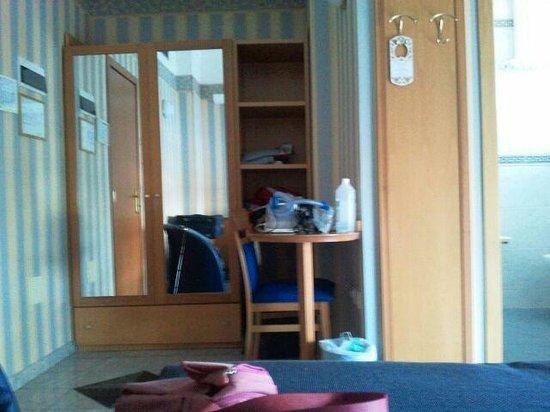 Hotel Feldberg: armadio