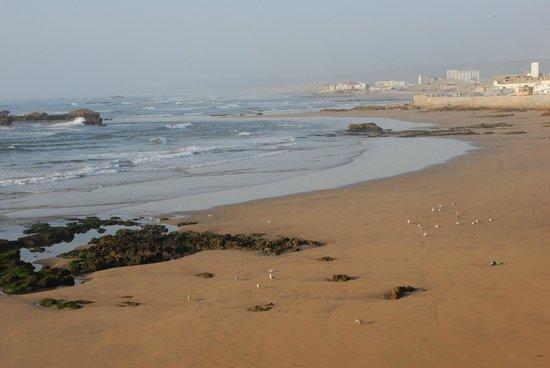 Riad Perle d'Eau : Vue des chambres côté mer