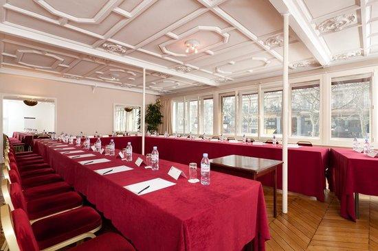 巴黎麥爾庫勒龍瑟雷歌劇院酒店