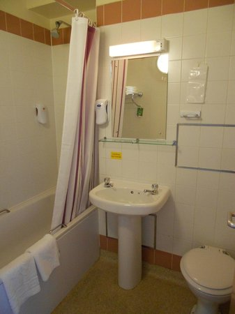 Ensuite With Bath And Shower Premier Inn Charing Cross Picture Of Premier