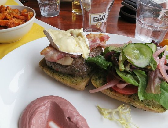 Hotel Lundi Restaurant: Hamburger