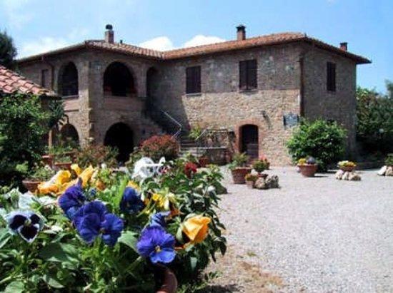 Agriturismo Torre Vecchia: agriturismo villa cinquecentesca