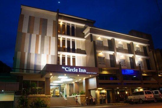 Circle Inn Iloilo City Center Hotel Facade At Night