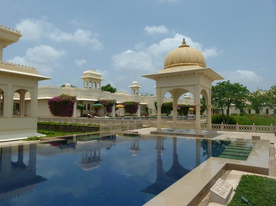 The Oberoi Udaivilas: Main Swimming Pool Area