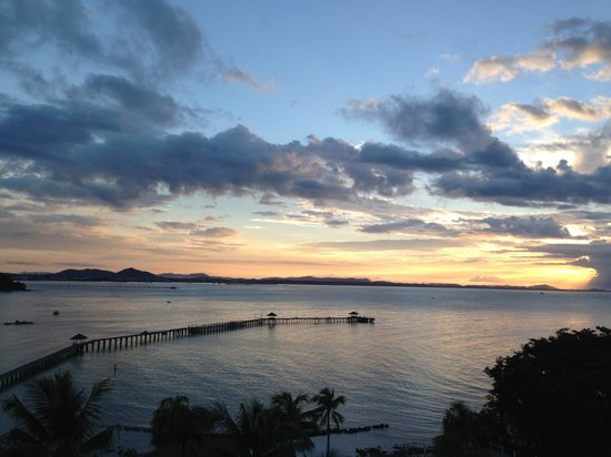 Rayong Resort Beach & Spa Retreat: รุ่งอรุณ ที่ระยองรีสอร์ท