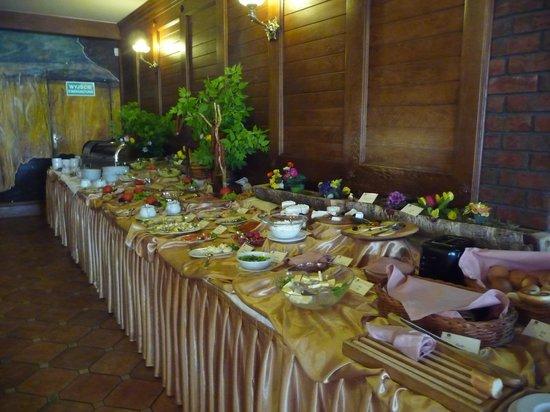 Hotel Zubrowka: enormous breafast