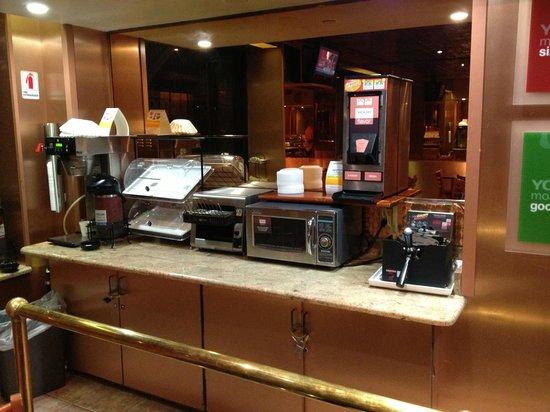 Rodeway Inn: Breakfast Room