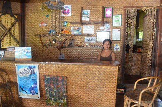 DabDab Resort: THE NICE RECEPTIONIST AT DABDAB. VERY POLITE LADY.