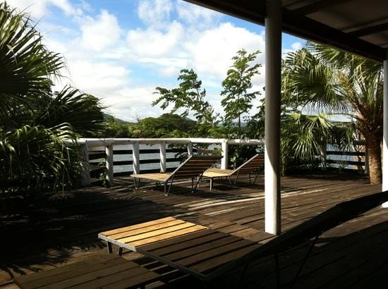Labasa Riverview Private Hotel: The terrace at the riverside