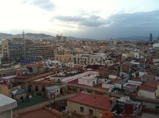 H10 Montcada Boutique Hotel: rooftop view towards sagrada familia