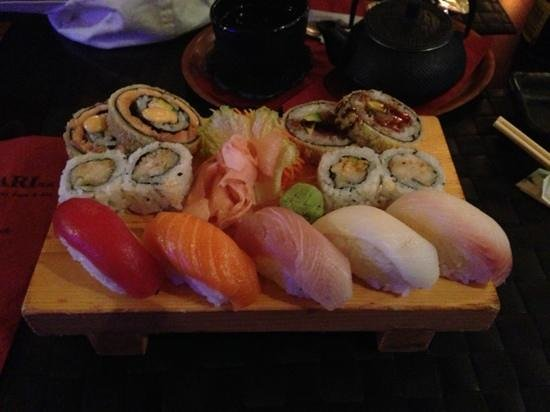 inari sushi bar: Sushi/Maki Set for 1 (with no shellfish requested)