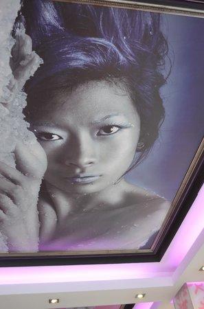 Planet Sushi : Des oeuvres d'Art aux plafonds