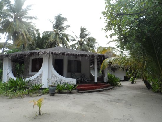 Velidhu Island Resort: Our bungalow - all beach bungalows are the same (I think)