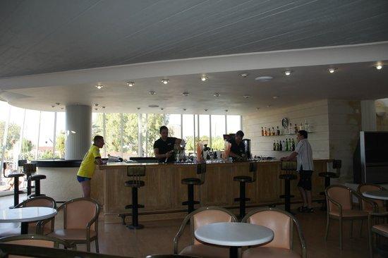 Santa Marina Beach Hotel : bar