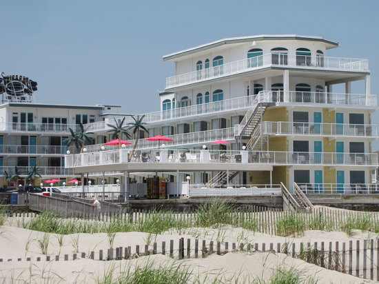 Blue Palms Resort Amp Boardwalk Bungalows Wildwood Nj