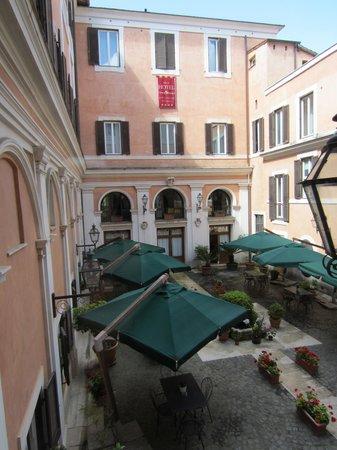 Antico Palazzo Rospigliosi: Blick in den Innenhof