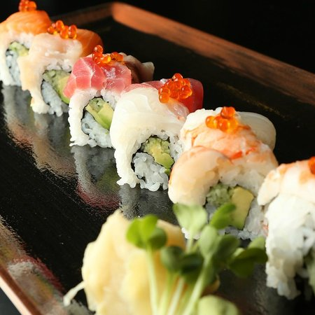 Raw sushi by Sodexo: Rainbow maki - a little bit of everything