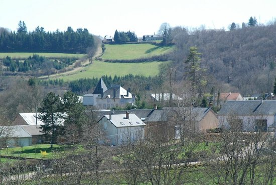 Hôtel l'Annexe : Vue sur le village de Moux-en-Morvan