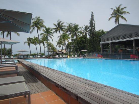 La Creole Beach Hotel: La piscine