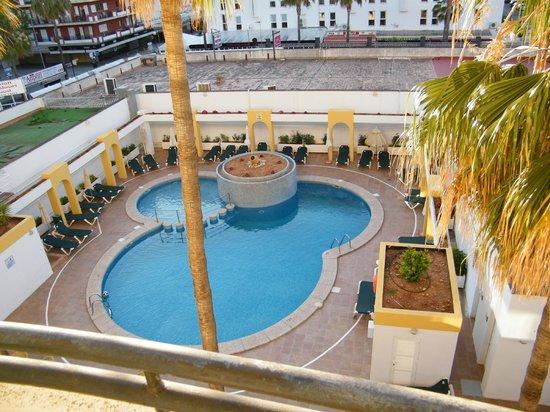 Protur Atalaya Apartamentos : Der Pool