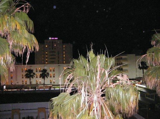 Protur Atalaya Apartments : bei Nacht