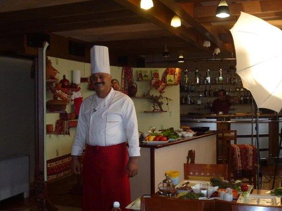 Ararat Hall: L'accueil par le Chef