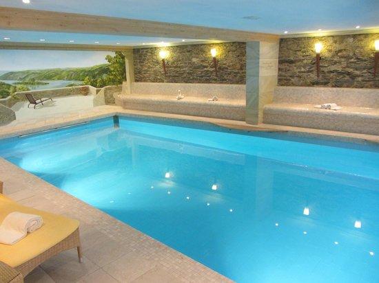 Romantik Hotel Schloss Rheinfels: Schwimmbad - sauber , warm , beruhigend