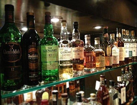 Locale Cafe & Bar -Closter: Bar